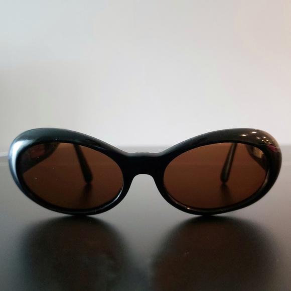 3333a782ab56 Versace Accessories | Gianni Vintage Black Sunglasses | Poshmark